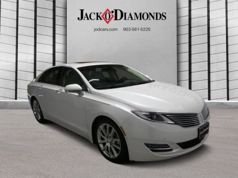 Pre-Owned 2016 Lincoln MKZ  FWD 4dr Car
