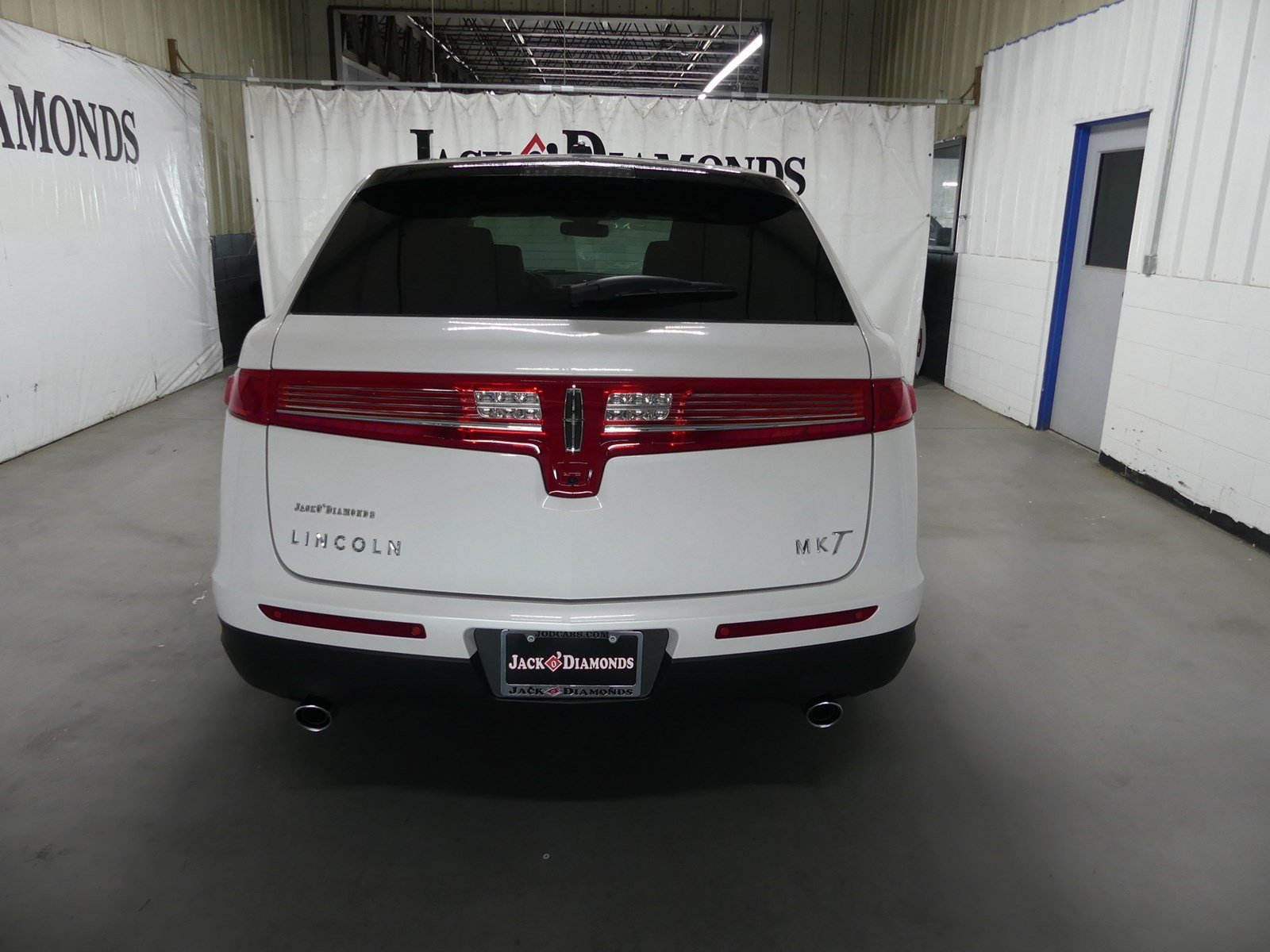 New 2018 Lincoln MKT Reserve