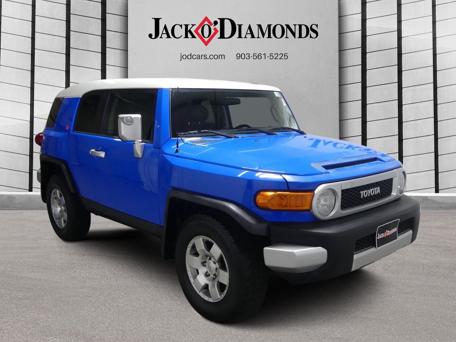Pre-Owned 2007 Toyota FJ Cruiser 4DR 2WD AT